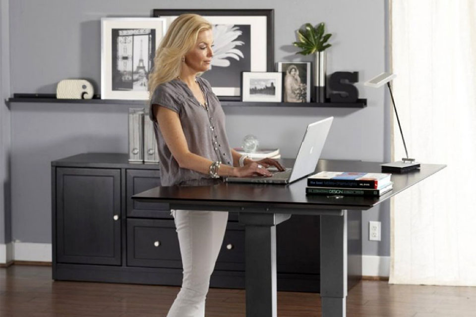 The Top 4 Advantages of a Standing Desk